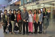 下了飞机改搭巴士到台北